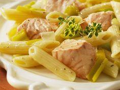 Pasta mit Lachs-Lauch-Soße ist ein Rezept mit frischen Zutaten aus der Kategorie Meerwasserfisch. Probieren Sie dieses und weitere Rezepte von EAT SMARTER!