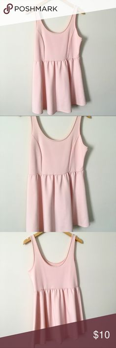 ✨Light Pink Dress✨ Light pink dress cute for any occasion. Purchased at Forever 21. Super stretchy. Color is a light pale pink. Please comment below with any questions about this dress. Forever 21 Dresses
