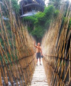 Ashton in Bali Pop Rock Bands, Cool Bands, 5sos Members, All Falls Down, Thomas Hood, Second Of Summer, Bali Travel, Pop Rocks, Railroad Tracks