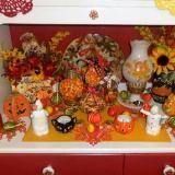 Linked to: debbie-dabbleblog.blogspot.com/2016/10/fallhalloween-in-kitchen-and-powder-room.html