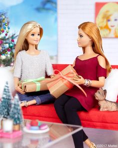 """43.1k Likes, 139 Comments - Barbie® (@barbiestyle) on Instagram: """"'Tis the season of giving! Wrapping up holiday traditions with friends.  #barbie #barbiestyle"""""""