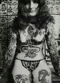 Amsterdam Tattoo Museum Tracks the History of Getting Inked - Condé Nast Traveler Tattoo Girls, Girl Tattoos, Tattoos For Women, Tatoos, Tattooed Women, Old Tattoos, Body Art Tattoos, Vintage Tattoos, Tattoos Pics