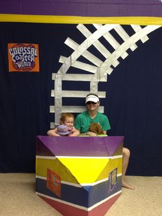 Colossal Coaster decoration idea. I like the track coming down the wall. Carnival Themed Party, Carnival Themes, Circus Party, Roller Coaster Party, State Fair Theme, Circus Decorations, Vbs Crafts, Diy Backdrop, Fun Fair