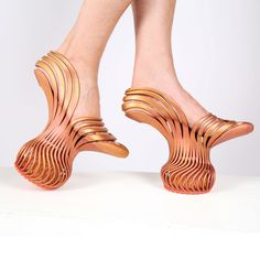 """This video shows Israeli designer Neta Soreq's printed springy platform shoes, which give the wearer a """"new walking experience"""". The Energetic Pass footwear comes in two variations: one pair has a bouncy platform beneath the centre of the foot,. Spring Heels, High Heels, Shoes Heels, Ugly Shoes, Wearable Technology, Medical Technology, Energy Technology, Technology Gadgets, 3d Prints"""