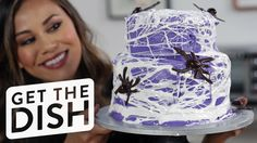 Hack an Edible Spiderweb With This 1 Surprising Ingredient: What's the easiest way to add a personal touch to a store-bought cake? Halloween Themes, Halloween Party, Halloween Foods, Cupcake Videos, Halloween Chocolate, Bark Recipe, Chocolate Bark, So Creative, Superhero Party