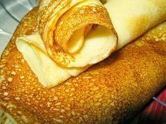 FORRÁZOTT KEFIRES PALACSINTA - MindenegybenBlog Crepes, Bagel, Pancakes, Food And Drink, Bread, Ethnic Recipes, Arc, Diabetes, Finger