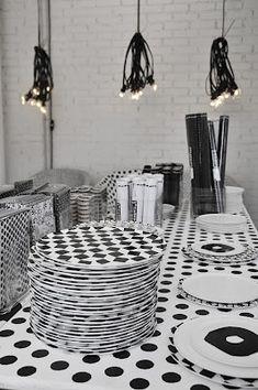 ac4bbfbc36a41 smart table Table Cuisine, Vaisselle, Salle À Manger, Noir Et Blanc,  Mobilier
