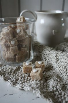 Presentation Idea: brown sugar cubes w/ mini heart; also possible with white sugar cubes and colored pastelles; (can be homemade)