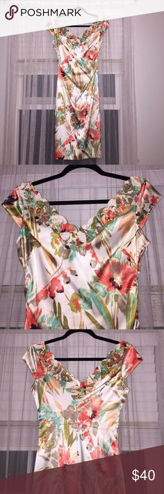 Sale! Floral fitted dress Beautiful. Wore only one. Maggy London Dresses