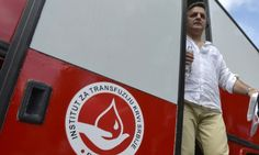 Нашу крв бацамо, туђу увозимо!  Према сазнањима Хуманитарног удружења добровољних давалаца крви из Новог Сада, Србија годишње потроши 30 милиона евра за увоз лекова произведених од крвне плазме, док на другој страни више од 90 одсто крвне плазме од домаћих давала�