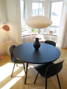Boutique Hay House à Copenhague | #modernica #bubblelamp #saucer | http://modernica.net/saucer-lamp.html