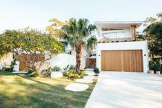 Fresco, Kyal And Kara, Surf House, Facade House, House Exteriors, Modern Coastal, Architectural Features, Tropical Houses, Modern Tropical House