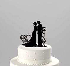 Wedding Cake Topper Silhouette Couple Mr & Mrs Personalized with Last Name, Acrylic Cake Topper [CT43n]