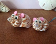 Popular items for shell animals on Etsy Sea Crafts, Rock Crafts, Nature Crafts, Easy Diy Crafts, Seashell Art, Seashell Crafts, Pista Shell Crafts, Shell Animals, Seashell Projects