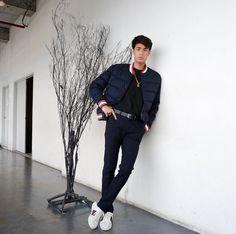 Donny Pangilinan Wallpaper, Asian Boys, Boyfriend Material, Handsome Boys, Cute Guys, Love Of My Life, Crushes, Prince, Wattpad