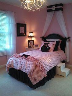 30 Teen Girl Bedroom Decor Ideas - The Wonder Cottage Pink Bedroom Decor, Paris Bedroom, Bedroom Decor For Teen Girls, Teen Girl Bedrooms, Bedroom Themes, Bedroom Ideas, Girl Rooms, Dream Rooms, Dream Bedroom