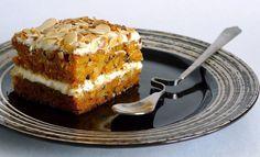 Very useful cake for tea! Sweet Recipes, Cake Recipes, Dessert Recipes, Pie Cake, Russian Recipes, Food Cakes, Pastel, Cream Cake, Carrot Cake