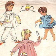 1950er Jahre Kind Größe 1 Nachtwäsche Muster Einfachheit 1824 Jahrgang Schlafanzug, Nachthemd, Babypuppen mit Angel-Transfer. Kindergröße 1