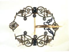 French Art Nouveau Flower Buckle Belt, Round Rhinestone Gem Scallop Fashion Accessory