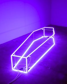 Sarah Lucas, New Religion (violet), neon; 15 x 21 x inches Neon Rose, Neon Purple, Purple Rain, Sombra Neon, Sarah Lucas, Creation Art, Damien Hirst, Wattpad, Purple Aesthetic