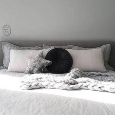 Perfect wool bed throw. Texture, grey and white bedroom inspiration See this Instagram photo by @closely.knit
