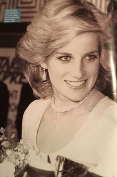 Oh my!! Look how flawless and beautiful Lady Diana was. This has to be one of my favorite photos of her.