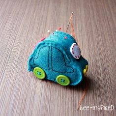 A pin cushion tutorial for the traveling pin.