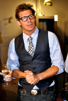 Vest and Tie. Tall Men Fashion, Mens Fashion, Fashion Vest, Sharp Dressed Man, Well Dressed Men, Business Casual Men, Men Casual, Classy Casual, Mens Formal Vest