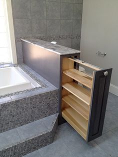 Фотография: Прочее в стиле , Ванная, Интерьер комнат, идеи для ванной комнаты, места хранения, как организовать места хранения в ванной – фото на InMyRoom.ru