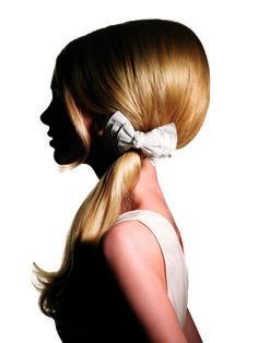 by Académie Alexandre de Paris Love their Work Evening Hairstyles, Dress Hairstyles, Retro Hairstyles, Beautiful Blonde Hair, Hot Hair Colors, Bridal Updo, Pink Hair, Hair Trends, Beauty Hacks