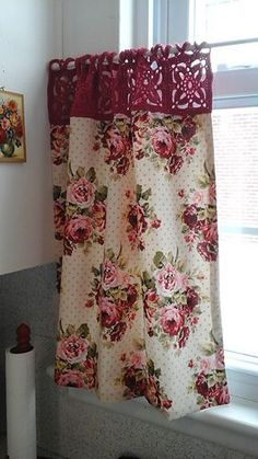Kitchy Curtains - square crochet