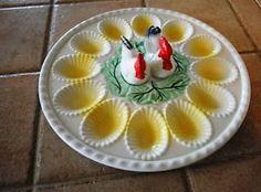 Vintage-Egg-Plate-Platter-Chicken-Hen-Rooster-Salt-Pepper-Shakers-Japan-Deviled