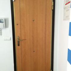 #cerrajeros #valencia, cerrajeros en Valencia, cerrajeros de Valencia. Apertura puerta sin rotura e instalación de bombillos y cerraduras de todas las marcas. 603 909 909