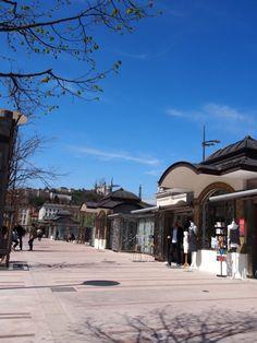 Les kiosques de la place Bellecour à Lyon