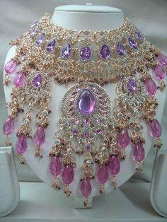 Elizabeth Hurley's Indian Wedding Headpiece Bridal Necklace, Bridal Jewelry, Beaded Necklace, Pendant Necklace, Purple Necklace, Necklaces, Elizabeth Hurley, Schmuck Design, Bead Weaving