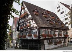 SchiefesHaus - leaning house in Ulm Germany.