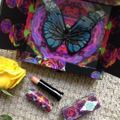 Feature Friday: Urban Decay Alice Through the Looking Glass Palette