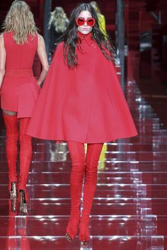 Versace Fall 2015 RTW Runway - Vogue