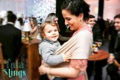 O liiindo do Ricardo adorou curtir a festa agarrado na mamãe  @eleonorassis obrigada pela foto. Fico muito feliz de vocês usarem muito ainda ;-)