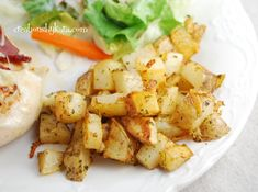 Parmesan Roasted Potatoes- easy, and oh so yummy! A perfect side side dish to any meal. Parmesan Roasted Potatoes, Roasted Potato Recipes, Veggie Recipes, Cooking Recipes, Roasted Garlic, Mashed Potatoes, Side Dish Recipes, Dinner Recipes, Potato Sides