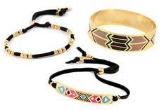 i loooove making bracelets! :)