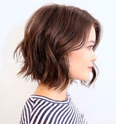 Os cabelos curtos prometem fazer a sua cabeça na próxima estação! Confira inspirações e escolha aquele que mais combina com você!