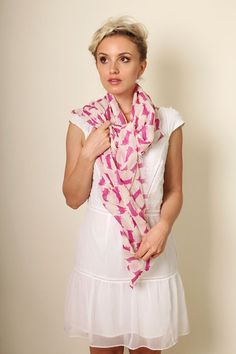 Women's Kitty Cat Fine Wool Fashion Scarf / Shawl / Wrap (PINK) // Trendy Fashion Scarves. Unique Holiday Gifts Ideas for Her. Cute Pretty Scarves. Winter Scarves.
