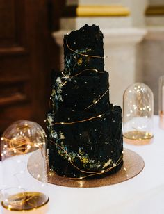 To the Stars: Masculine, Celestial-Inspired Wedding Inspiration – Green Wedding Shoes celestial wedding cake Pretty Wedding Cakes, Black Wedding Cakes, Green Wedding Shoes, Pretty Cakes, Beautiful Cakes, Amazing Cakes, Gothic Wedding Cake, Cake Wedding, Black Weddings