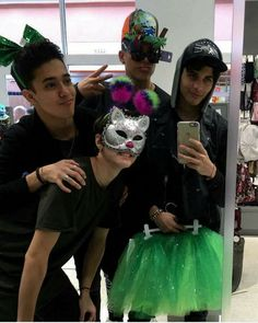 Cnco for you ladies and gentlemen Memes Cnco, Best Memes, Twenty One Pilots, Five Guys, Disney Music, O Love, Lady And Gentlemen, Girl Gang, Dance Outfits