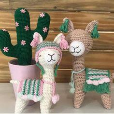 In this article we share amigurumi animal free crochet patterns. Amigurumi toys are beautiful. Pikachu Crochet, Crochet Animal Amigurumi, Crochet Amigurumi Free Patterns, Crochet Animal Patterns, Crochet Motifs, Stuffed Animal Patterns, Crochet Toys, Knitting Patterns, Crochet Animals