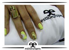 El complemento perfecto para tu look son unas uñas perfectamente elaboradas. Excelente resultado de nuestra manicurista experta Sandra Milena Visítanos: Cll 10 # 58-07 Sta Anita Citas: 3104444 #Peluquería #Estética #SPA #Cali #CaliCo