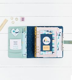 Discover our favourite easy DIY tips and ideas to customise your kikki.K Dark Mint Planner and make it bright and inspirational