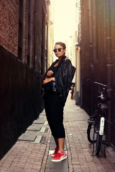 golden hour / justlikesushi.com / outfit / street style / amsterdam / leather jacket / caroline blomst / puma classic suede / h&m bag