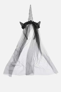 Nail your Halloween party look with this dark unicorn black veil. Halloween 2018, Wildfox, Veil, Besties, Bag Accessories, Urban Outfitters, Asos, Topshop, Geek Stuff